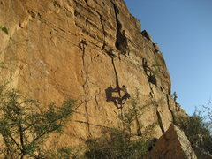 Rock Climbing Photo: Ryan Dillon leading a crack to the right of Commun...