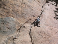 Rock Climbing Photo: Hogan styling his repoint of Illusion Dweller (5.1...