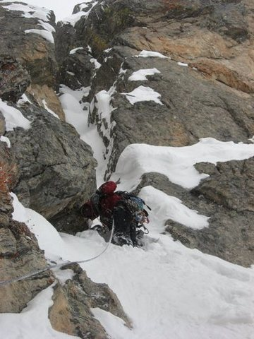 Chris Sheridan on the third pitch of Enter The Dragon.<br> <br> Photo by Andy Grauch, taken 4-5-09.