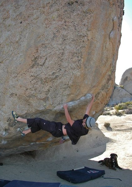 Rock Climbing Photo: Beorn watches as Warren rounds the bulge on 'Beeke...
