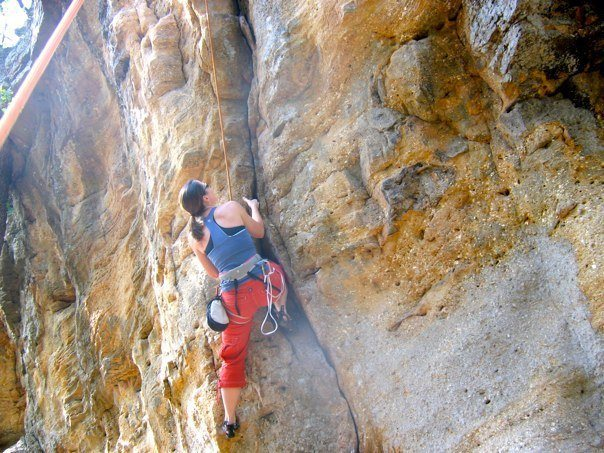 Rock Climbing Photo: Krissy on the start of Easy Crack