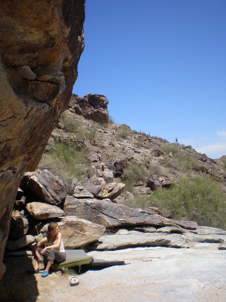 Rock Climbing Photo: The first wall one encounters up canyon. Many shar...