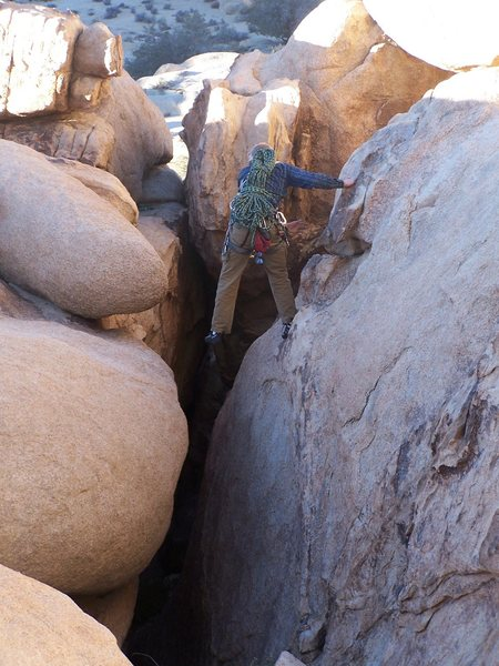 Rock Climbing Photo: Escaping the Blob.  Watch out for blue slings and ...