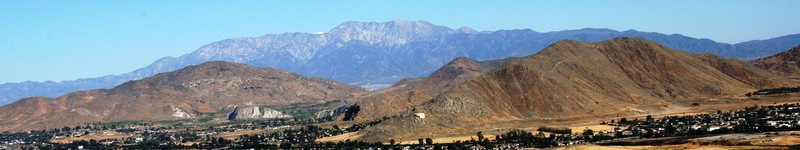 Looking over [[105902982]] towards Mt Baldy from Mt Rubidoux.