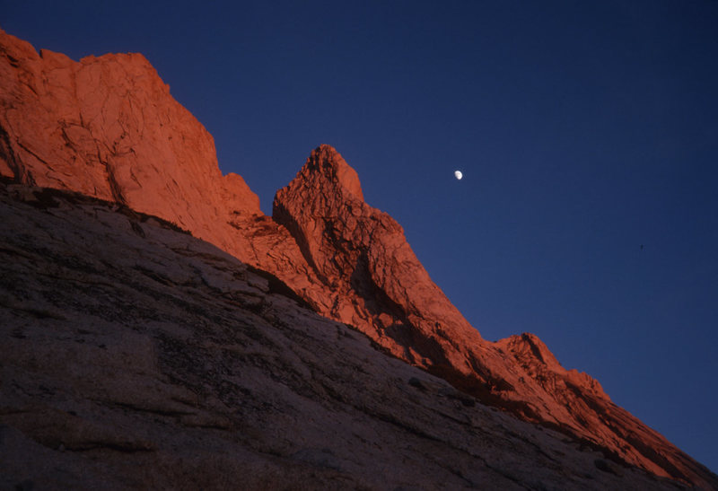 Rock Climbing Photo: Mathes Crest Moon, Sierra Nevada, CA