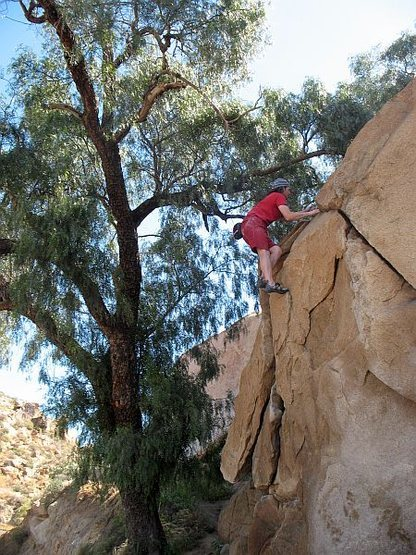 Topping out on the Dynamite Flake (V-easy), Mt. Rubidoux<br>