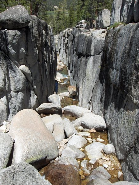 Rock Climbing Photo: Creek on the approach to Cathedral Lake