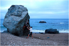 Rock Climbing Photo: Paradise bound...bouldering on the remote West-end...