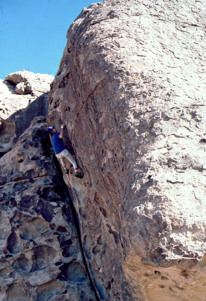 Earl Wiggins hb @ Hueco Tanks: photo Bob Horan