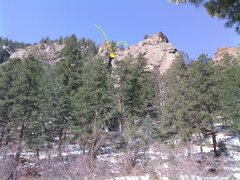 Rock Climbing Photo: The long arrow points out the right-facing dihedra...
