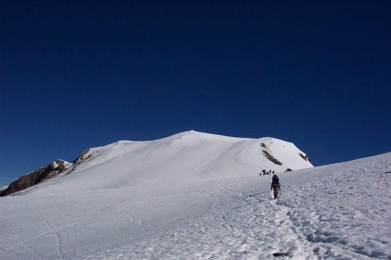 The shallow traverse from the false summit to the summit proper. - Adams, S. Spur