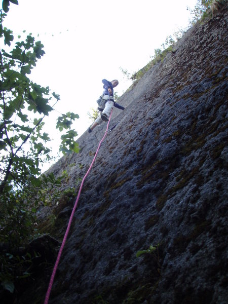 Rock Climbing Photo: to my right is Arachna-obeeelisk (5.9) slab...moss...