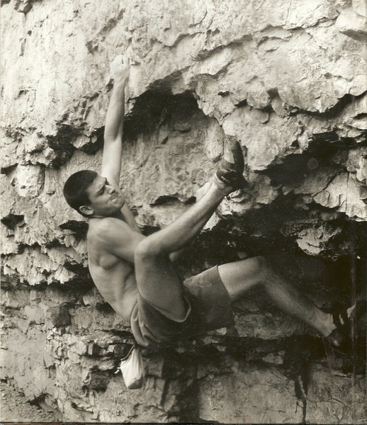 Rock Climbing Photo:  V8,side pull 1995