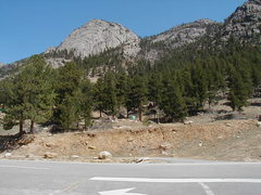 Rock Climbing Photo: Roadside parking on north side of US Hwy 34. Appro...