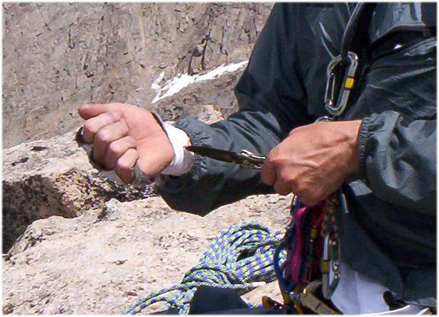 how to use a belay knife without the rope