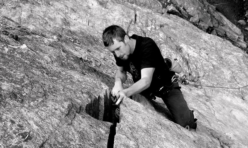Rock Climbing Photo: Note bolts below the foot, above the knee, and in ...