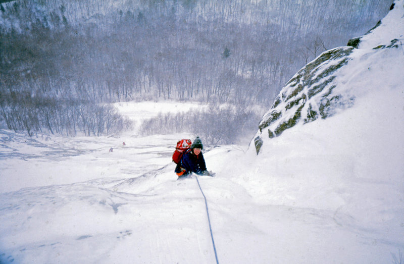Rock Climbing Photo: Cinema Gully -- an easy but long ice climb on Mt W...