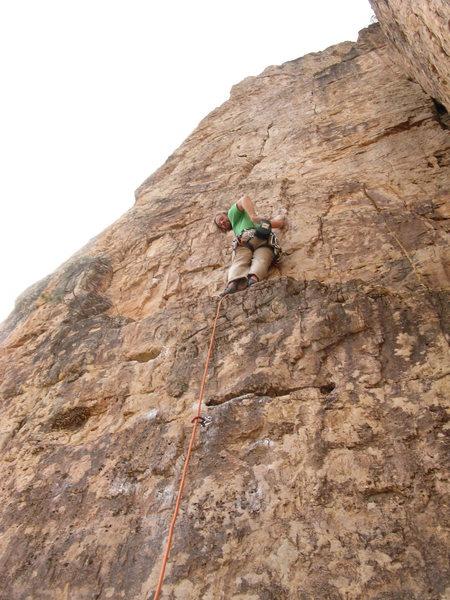 Chris V. climbing Suburbia at Shelf Road