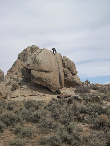 Rock Climbing Photo: Topping out on the V3, Water Groove, a classic Har...