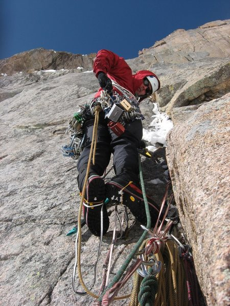 Rock Climbing Photo: Chris Sheridan leading up the second pitch of Shin...