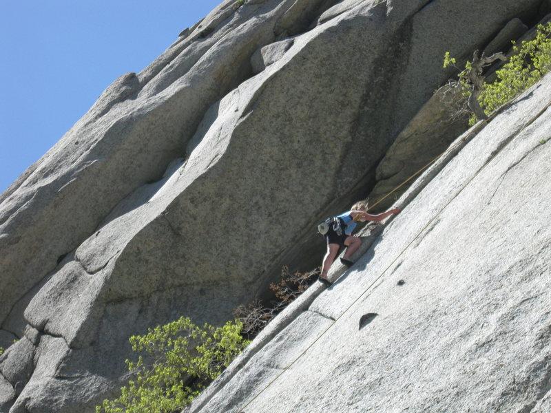 Rock Climbing Photo: Elaine walking on the edge