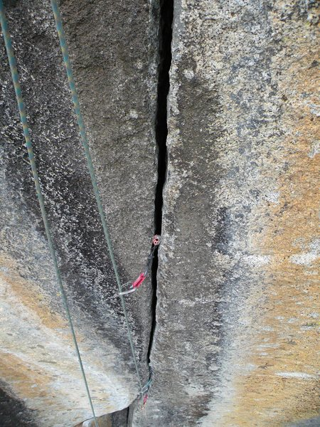 Rock Climbing Photo: so clean and splitter