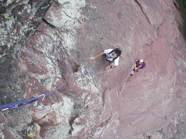 Ralph Burns and Rich Perch on the first pitch of the Direct SE Arete of the Second Flatiron.