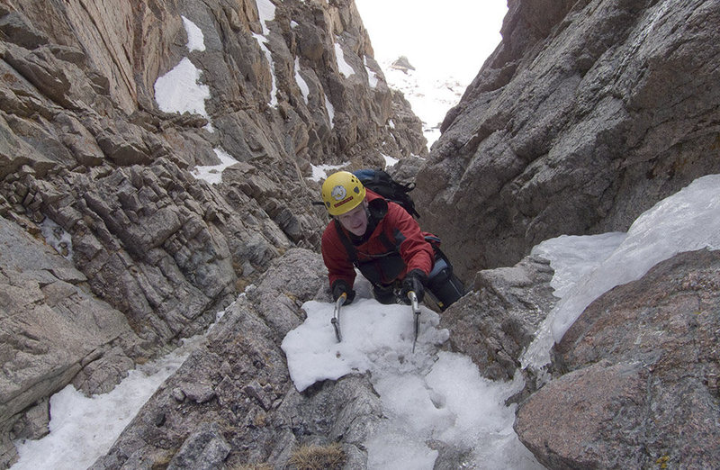 2009.05.20 Shuhlakeiss simul-soloing beyond the first crux of Martha, RMNP.