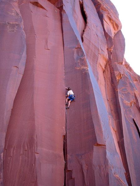 Fissure grippin' on the rock cliffs of Ooooh-tah aka Utah.