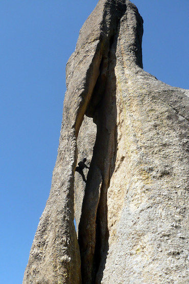 Rock Climbing Photo: Scotty Nelson threading the needle.