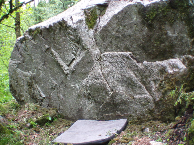 Rock Climbing Photo: Pyramid Boulder W-side