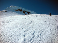 Rock Climbing Photo: Climbing towards the serac wall on the lower North...