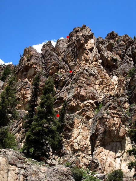 Rock Climbing Photo: Left side of the second buttress - belays marked i...