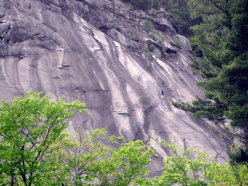 Climbers at both end anchors of P5.