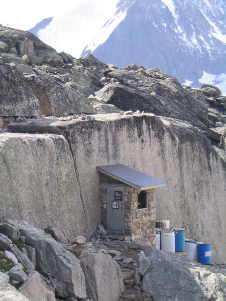 Rock Climbing Photo: The best crapper on the planet.  Bugaboos BC.