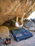 Rock Climbing Photo: Pocket Stuffer V7 Silverbell Boulders Tucson AZ