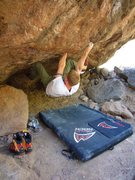 Rock Climbing Photo: Pocket Stuffer V7 Silverbell Boulders Tucson AZ