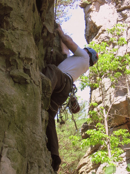 Rock Climbing Photo: Larry gathers himself for a big move on Gravy Trai...