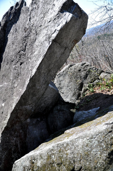 Rock Climbing Photo: It's called this because it climbs out of a hole t...