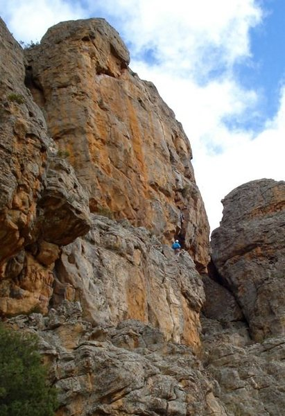 Scorpion Crack on Bluff Major; Andy Anderson belaying Swedish climber Gustav.