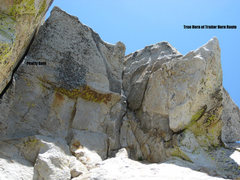 Finishing crack of Pearly Gate route adjacent to Traitor Horn route.