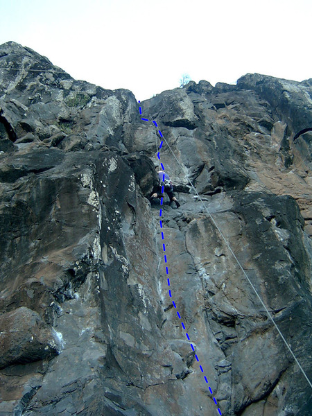 Rock Climbing Photo: Second crux, small roof to pull