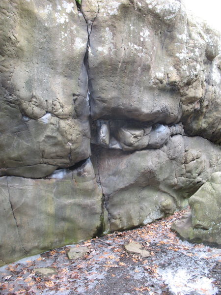Rock Climbing Photo: B2 Bomber/Boonyards pit, right side at the entranc...