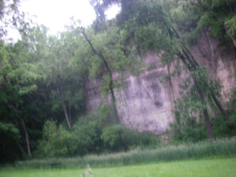 Sorry photo quality is poor, my camera sucks in low light.  This is second crag we TRed at and the location of at least 3 cracks that would take trad gear.  Grade estimates range from a 5.7-5.10+