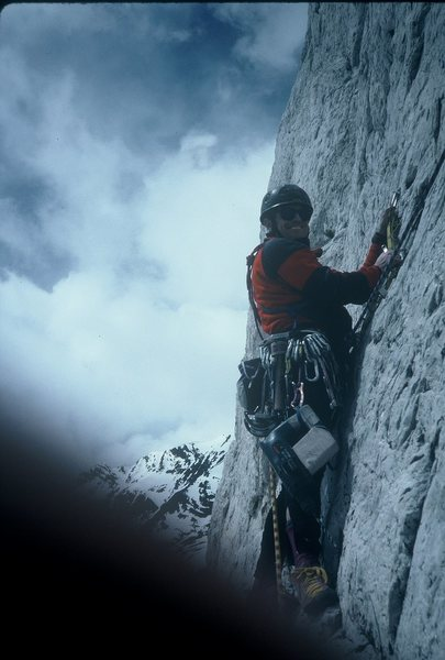 A drilling session in early 1993 on Till Hell Freezes Over (Dave Anderson photo)...we had reclimbed up to the 2nd belay, got in a few bolts of upward progress and again retreated in the freezing wind.