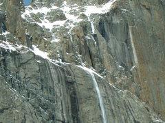 Rock Climbing Photo: Closer again.