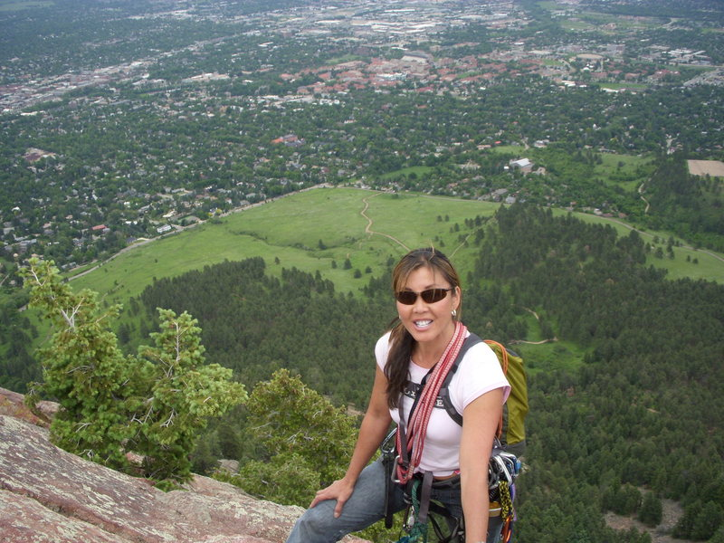Susie with Colorado U and Chatauqua trail in the background from the 1st Flatiron