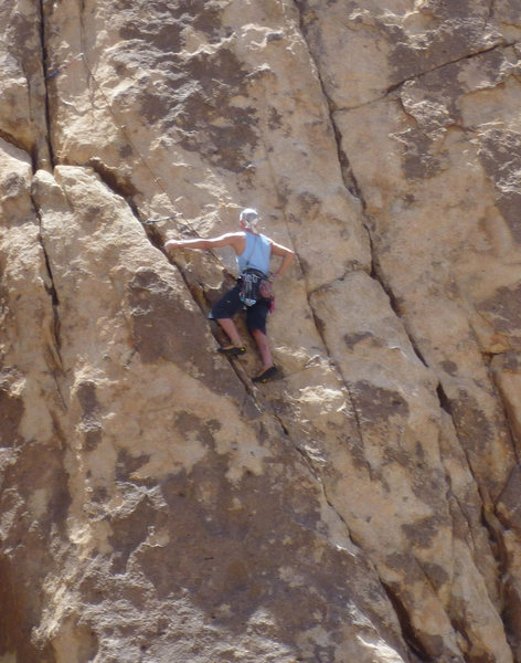Rock Climbing Photo: Fred Batliner gingerly diagonals across.
