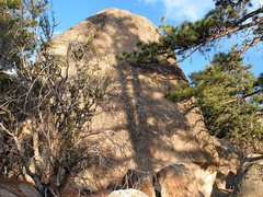 Rock Climbing Photo: The Ingot (West Face), Holcomb Valley Pinnacles