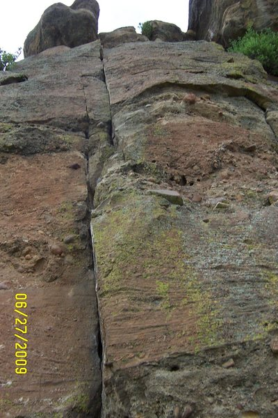 Rock Climbing Photo: Great, easy 5.8 crack system to the left of Thickl...